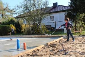 Bodenplatte wässern (Bild)